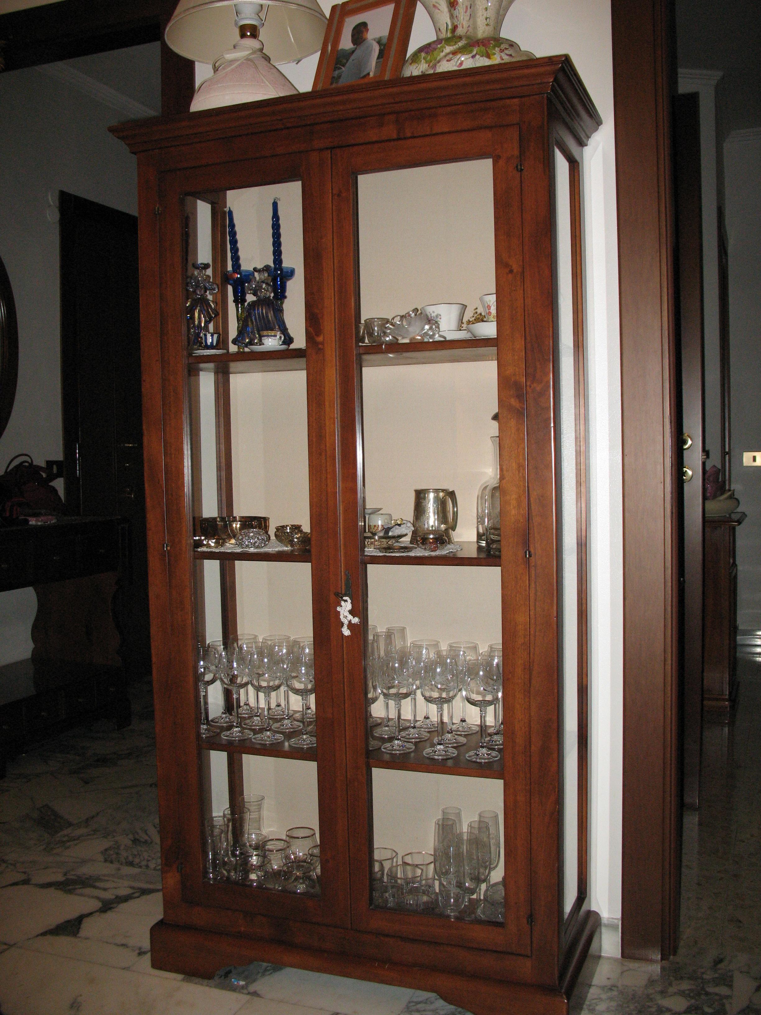 Immagine 46 54 la falegnameria for Vetrinetta bassa arte povera